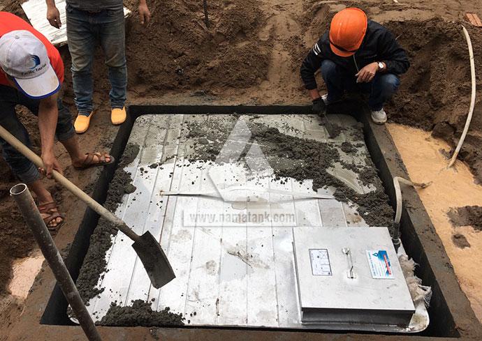 bước 3 lắp đặt bể nước ngầm inox